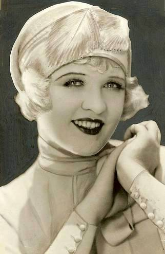 studio-portrait-movie-star-phyllis-haver-as-blonde-feathrered-close-fitting-hat-1920s