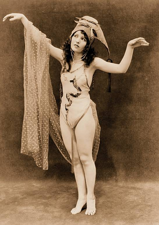 CHUCKMAN'S PHOTOS ON WORDPRESS: 1920s ARCADE CARD BEAUTIES – THEIR CHARM  AND GRACE AND WHIMSY